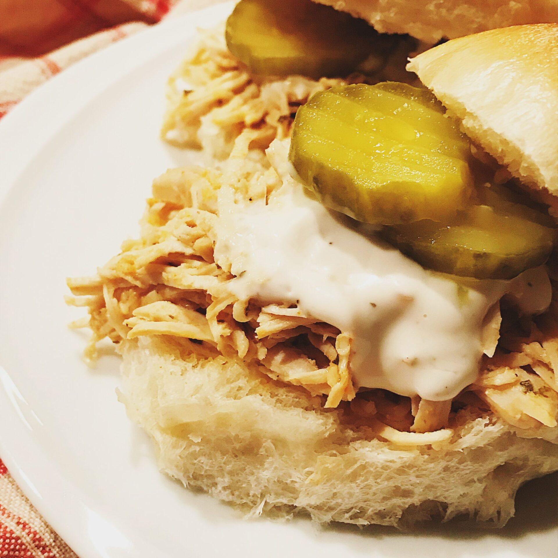 Slow cooker buffalo chicken sliders | hearth health happiness
