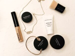 BareMinerals makeup on counter | hearth health happiness