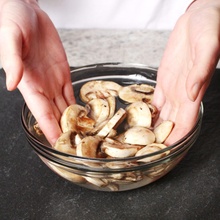 cooking myth debunks mushrooms in water | hearth health happiness