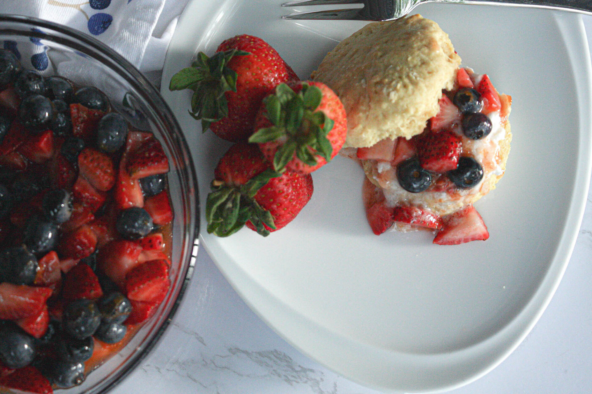 overhead image of summer berries and a vegan berry shortcake | hearth health happiness