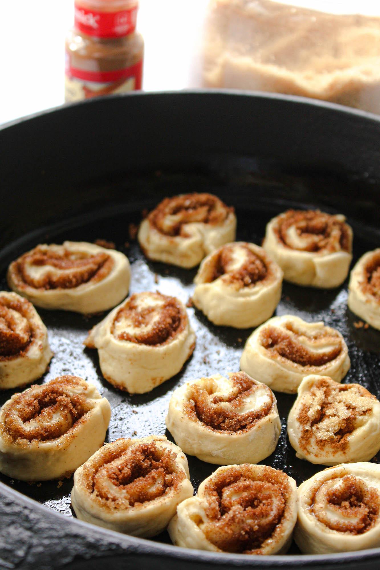 sunlight on cinnamon rolls in skillet | hearth health happiness