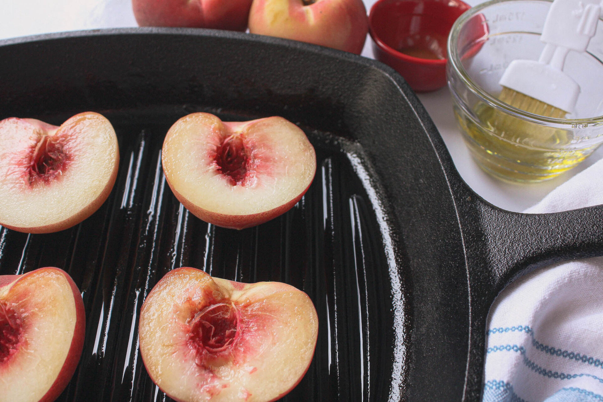 fresh peaches on grill pan before cooking | food blog | hearth health happiness