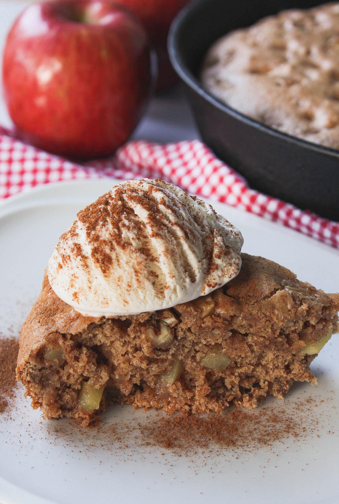side image of apple cinnamon skillet cake