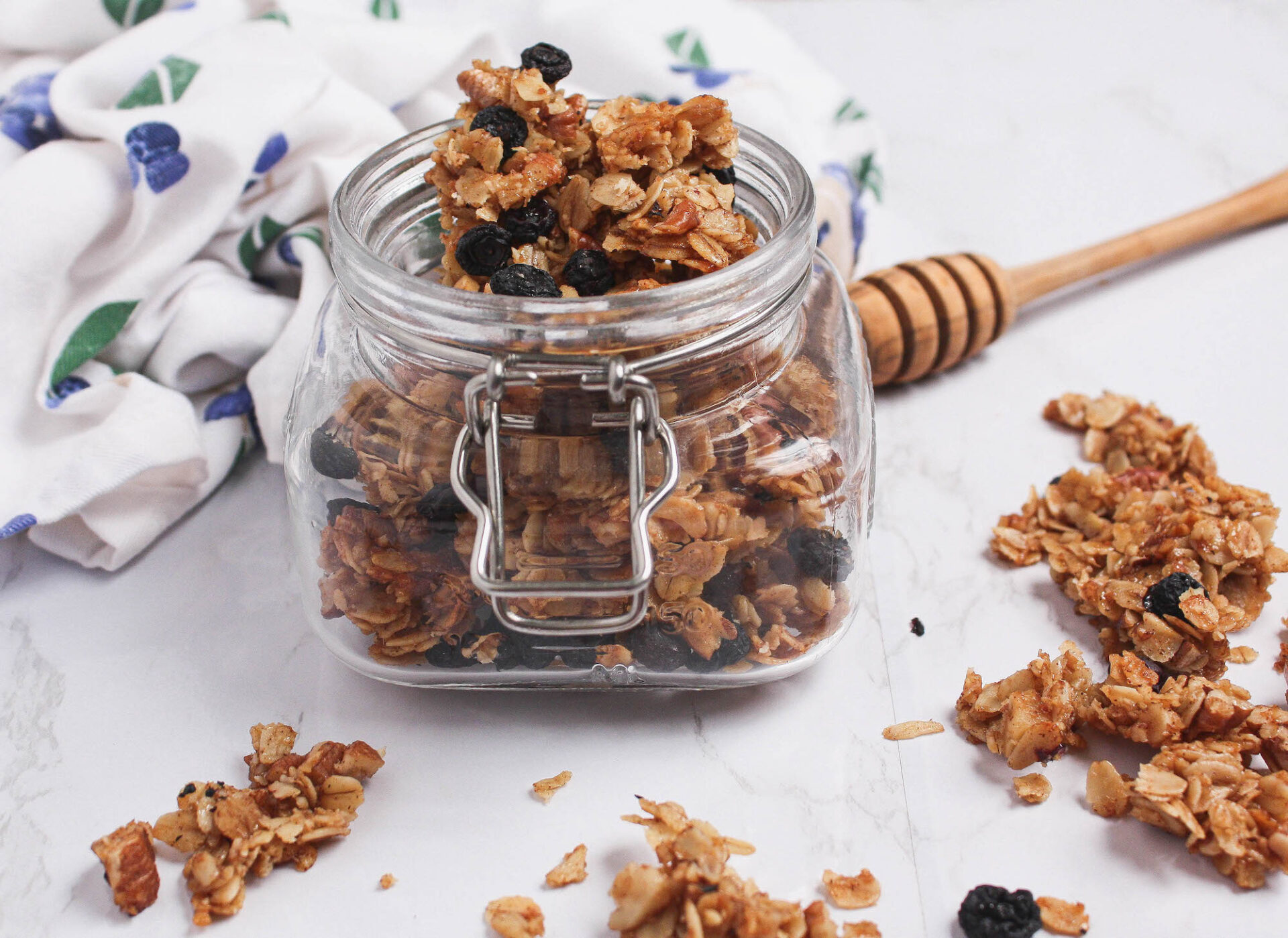 blueberry granola pieces in mason jar | food blog | hearth health happiness