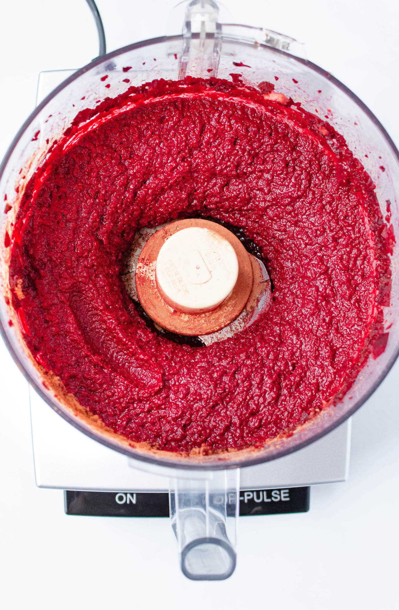 roasted beet hummus blended in food processor | hearth health happiness