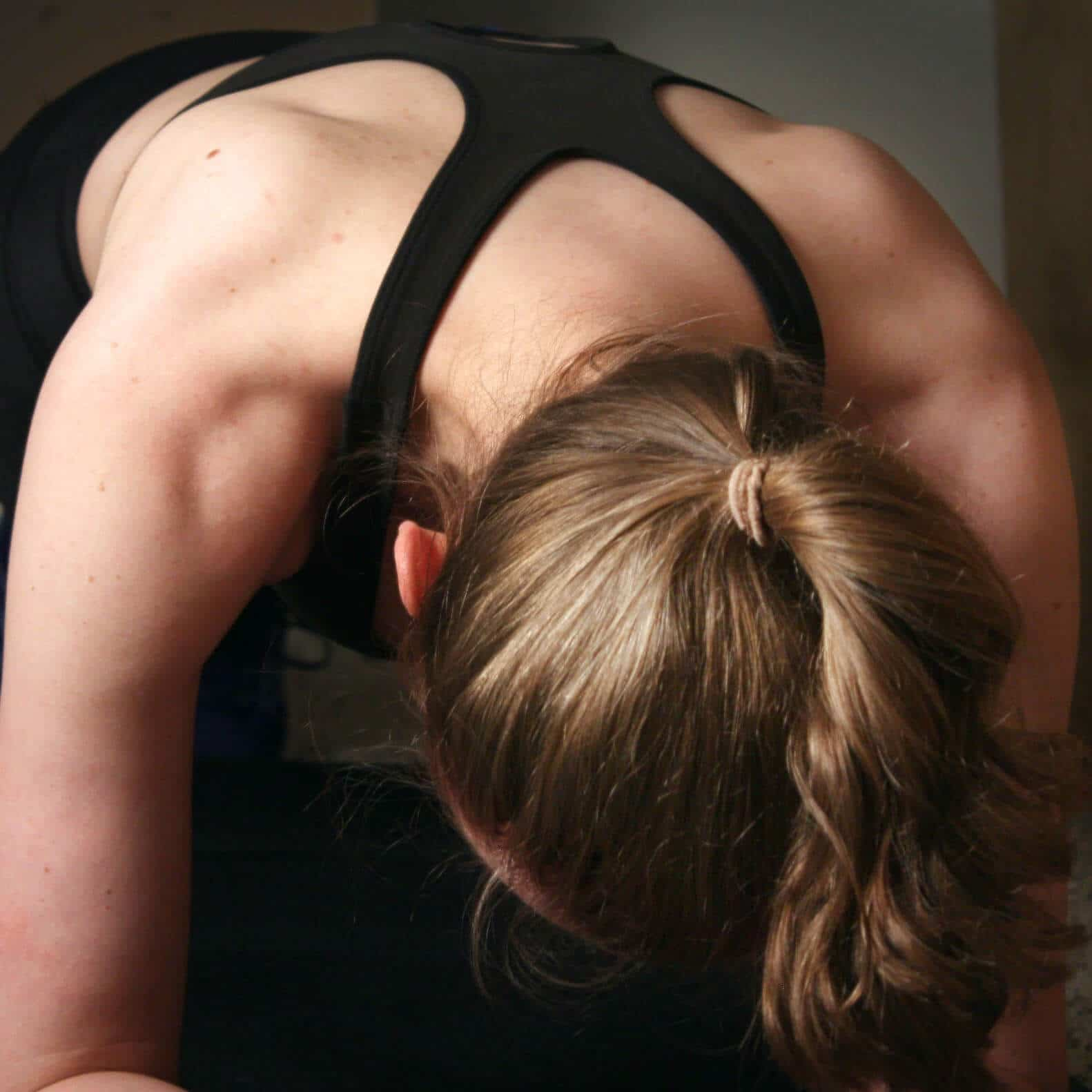image of shoulders while planking